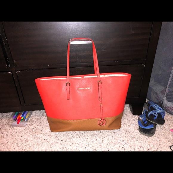 Michael Kors Handbags - Michael Kors Large Jet Set Tote Bag